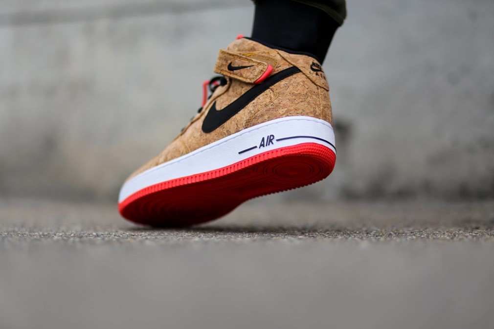 Nike-Air-Force-One-Mid-Cork-748282-100-2-1010x673.jpg.pagespeed.ce.4QlmNWHHcT