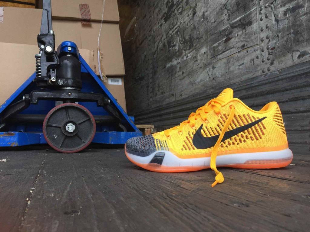 Nike Kobe 10 low Rivalry 747212-818
