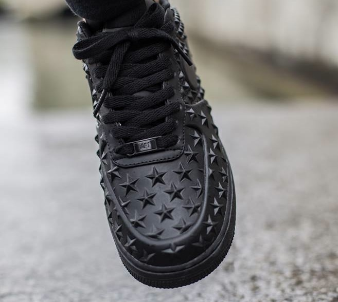 Nike Air Force Black Style