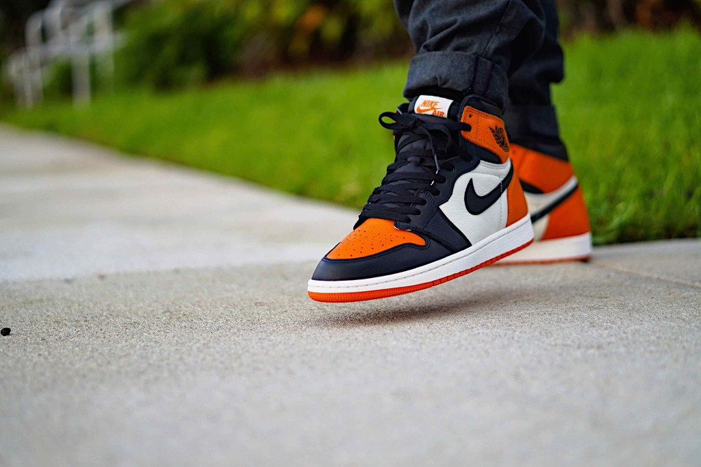 Air Jordan 1 Retro Shattered BackBoard Sneakers App Pr_Sneaks23_3