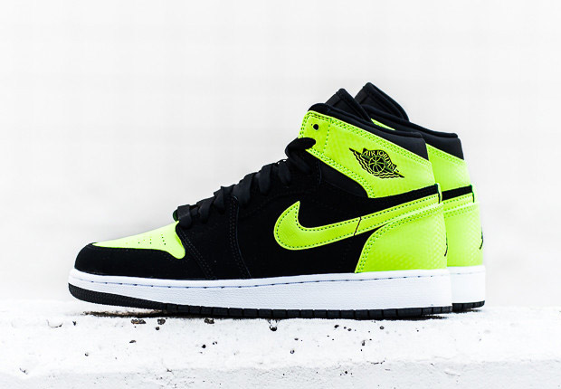 air-jordan-1-high-gg-ghost-green-1