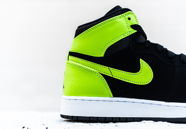 air-jordan-1-high-gg-ghost-green-3