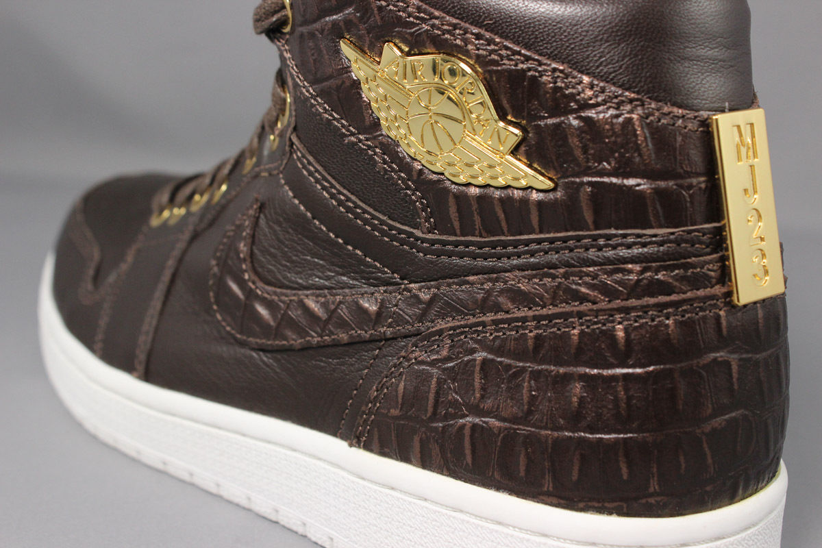air-jordan-1-pinnacle-croc-baroque-brown-gold-3