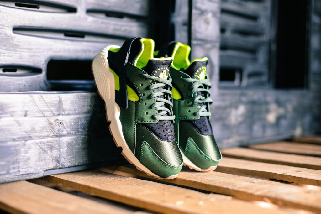 Nike Air Huarache Run 634835-300 for Women