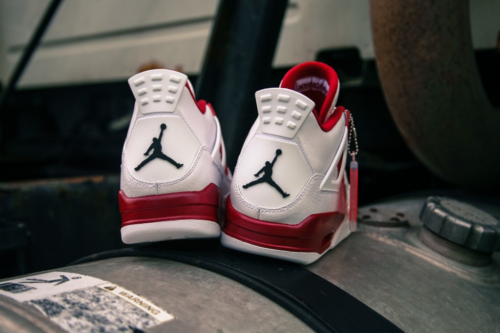 Air Jordan 4 Retro White Bred-5
