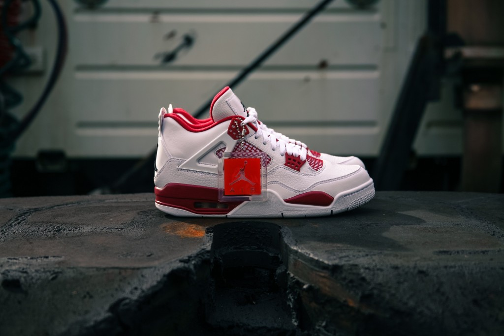 Air Jordan 4 Retro White Bred-6