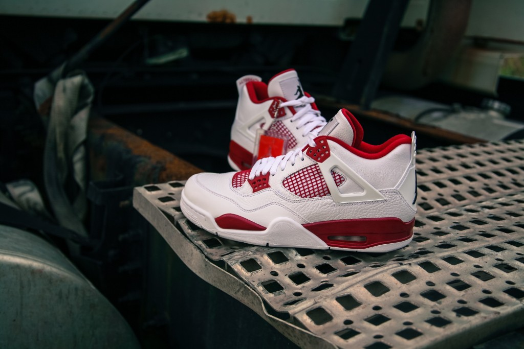 Air Jordan 4 Retro White Bred-8